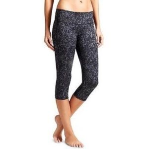 Athleta Woodlands Chaturanga Reversible Capri